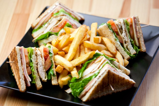 Restaurant Eat Here Klong Son Koh Chang sandwiches club sandwich